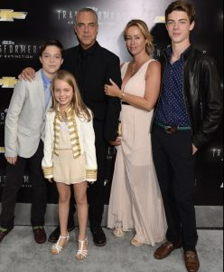 Jose Stemkens with her family