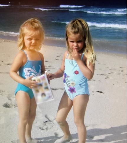 Jacy and Kacy at their childhood