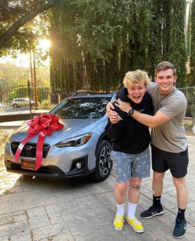 Alex Warren with new car