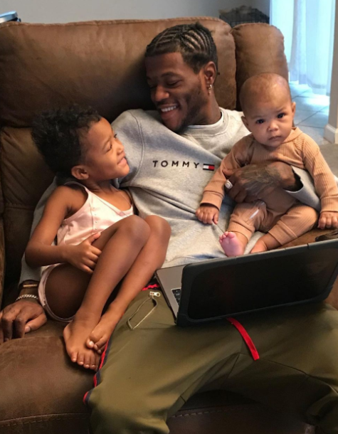 Dc Young Fly with children