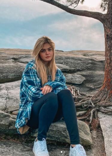 Kayla Patterson posing