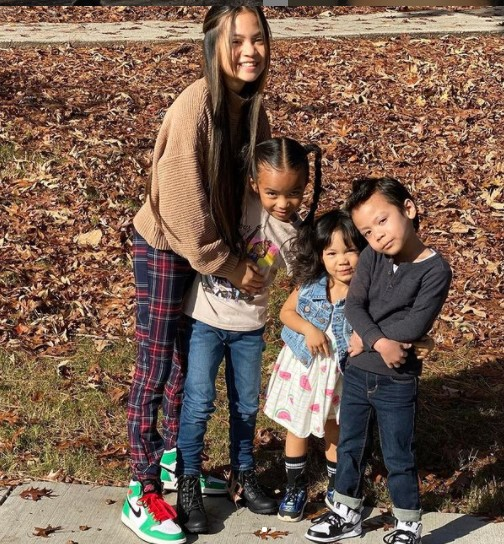 Vanessa Anne Williams with her siblings