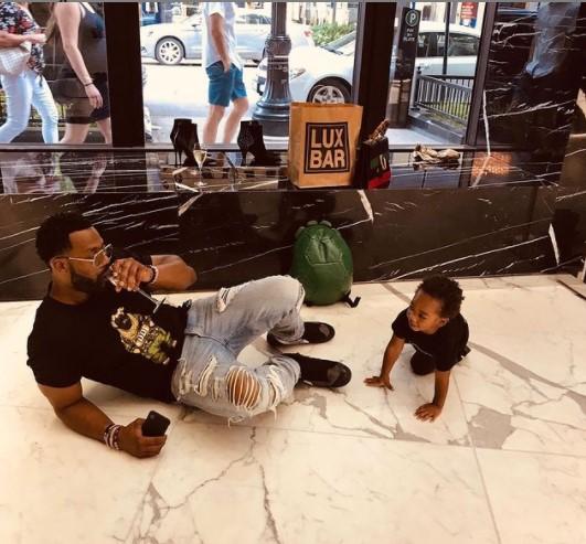 Laroyce Hawkins with son
