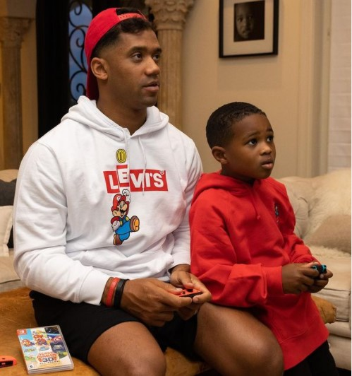 Russel Wilson playing games